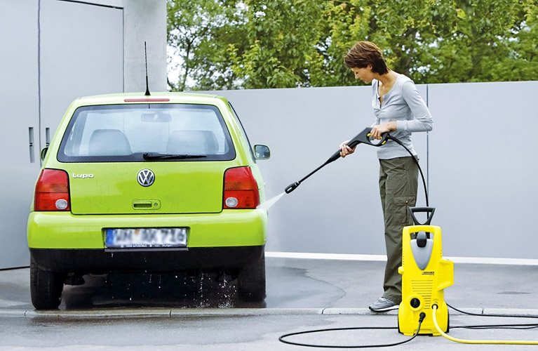 Karcher_and_car