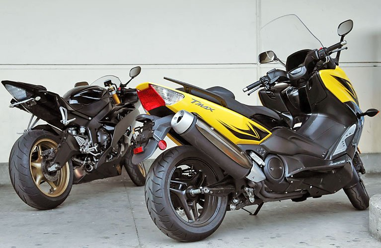 Yamaha_scooter