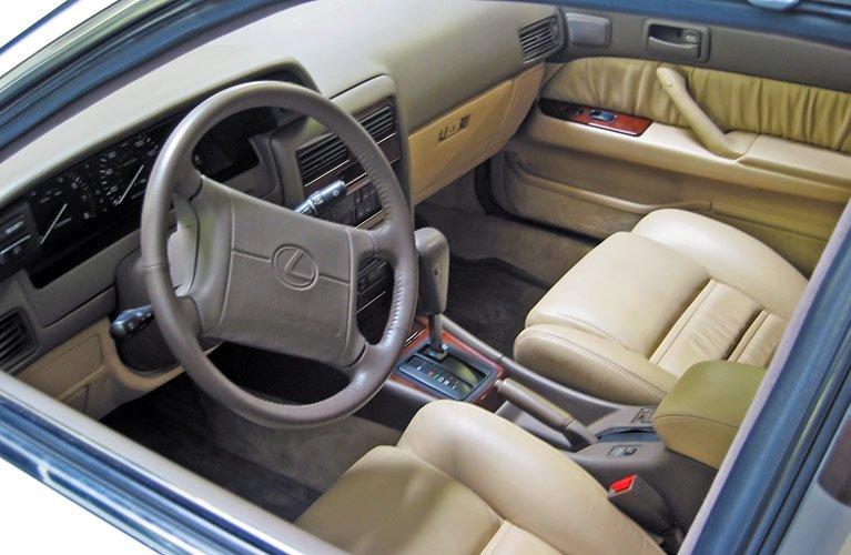 avtomobilnye-chehly