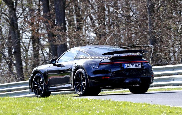 2020 Porsche 911 Turbo (992): все последние фотографии и новости