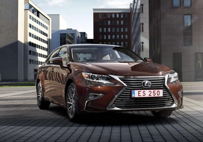 Новый Lexus ES: первое изображение