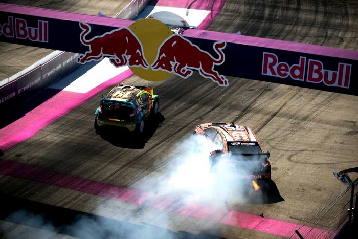 Red Bull Global Rallycross Series идет по пути Додо