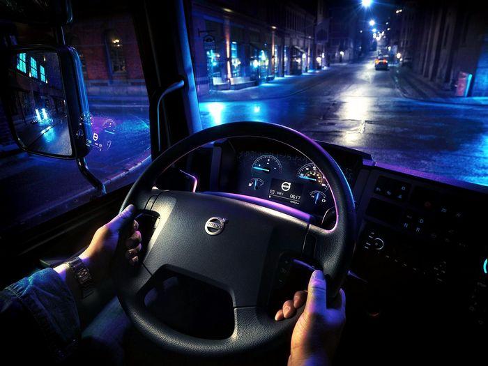 Volvo делает электрические грузовики сейчас, слишком