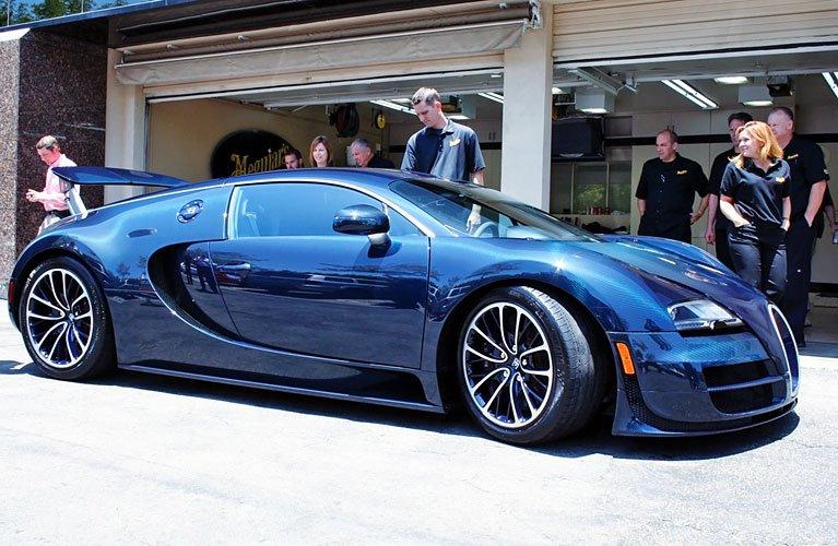 bugatti-veyron-super-sport-front