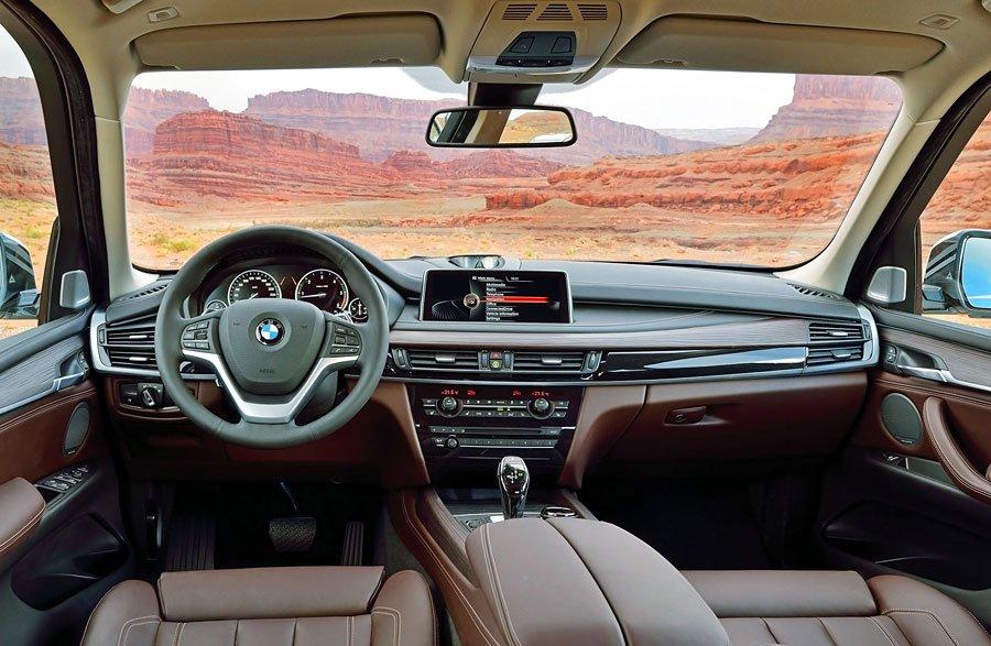 2014-BMW-X5-cockpit