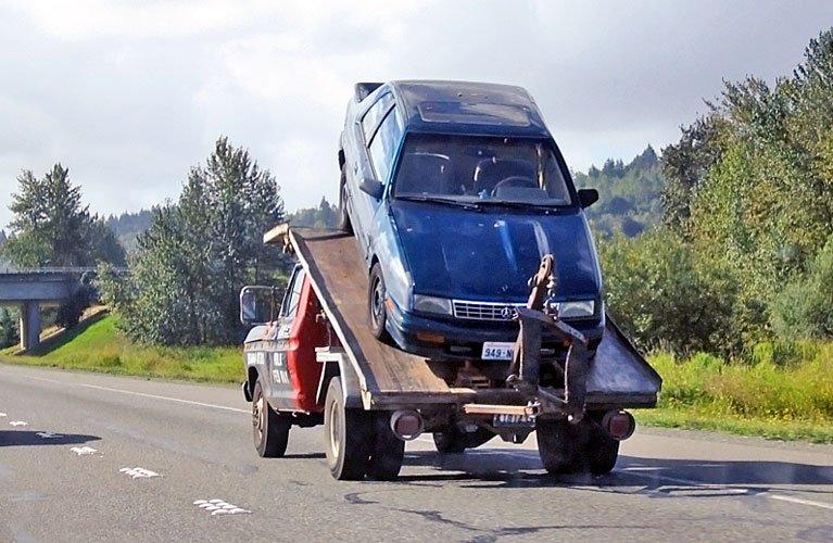 buksirovka-avtomobilya-s-akpp
