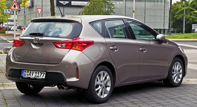 Toyota_Auris_2.0_1