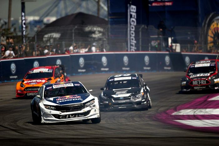 Red Bull Global Rallycross Series идет по пути Додо