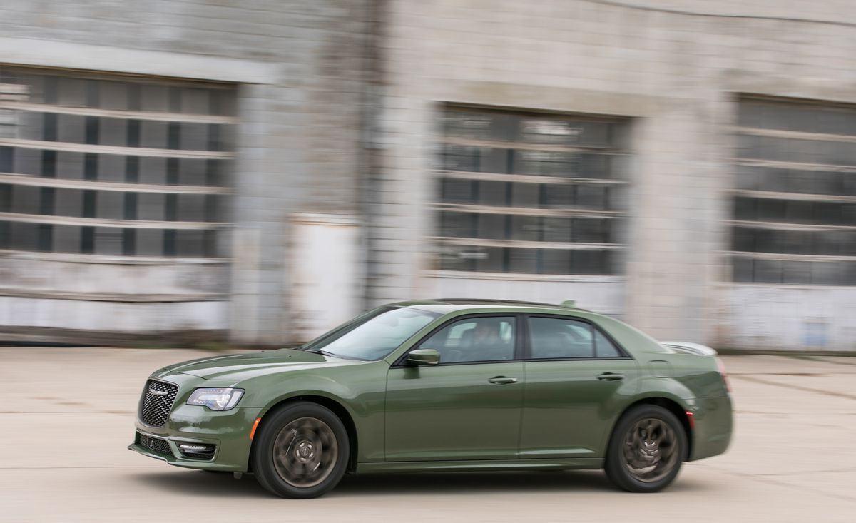 Руководство по покупке подержанных автомобилей: Chrysler 300C…