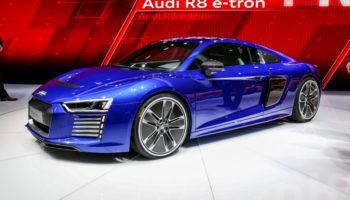 Электрический Audi R8 будет «пугать» пешеходов «нечеловеческим голосом»